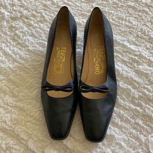 Salvatore Ferragamo Navy Kitten Heels Size 6 B